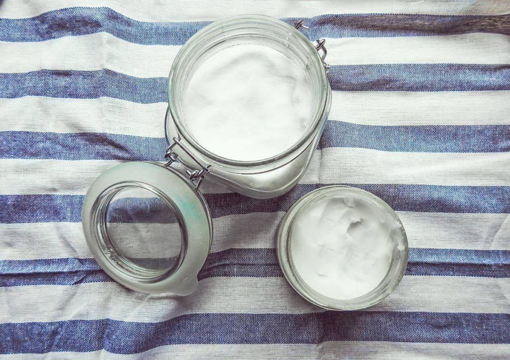 3 reasons why you should never put coconut oil on your sin