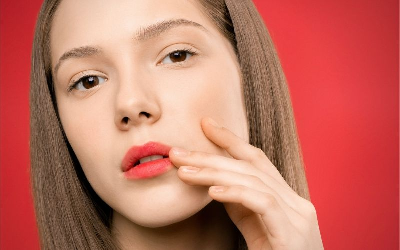 What Causes Chin Breakouts